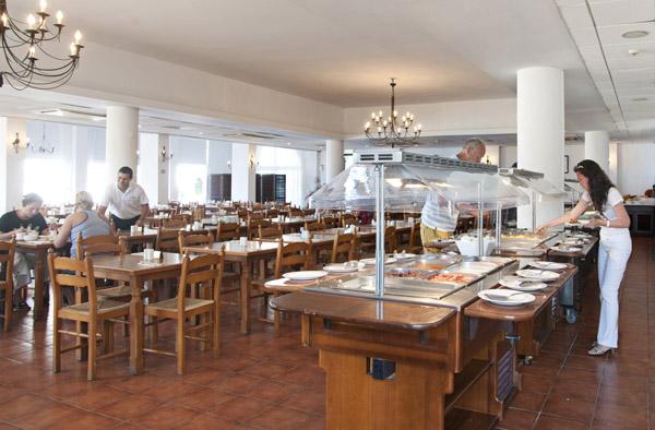 breakfast-at-atlantis-restaurant